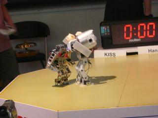 こんなに背が高いロボット見たこと無い!